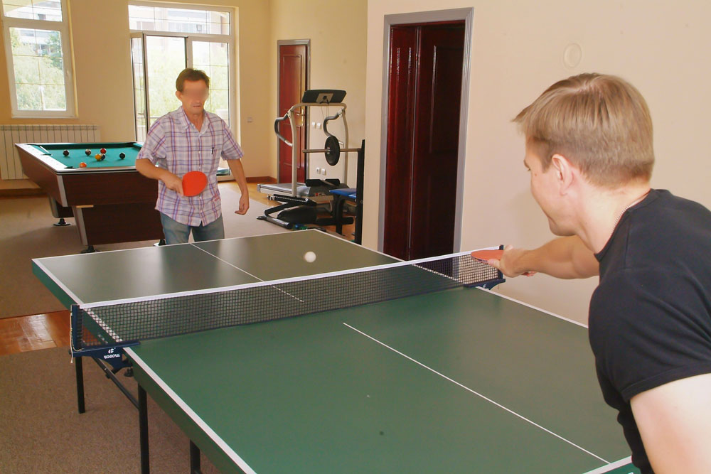 alcohol-treatment-center-table-tennis.jp
